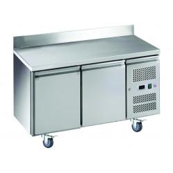 Desserte 314 litres réfrigérée, 2 portes pleines GN 1/1, sur roulettes + dosseret EQUIPEMENT DIRECT Tables et soubassements