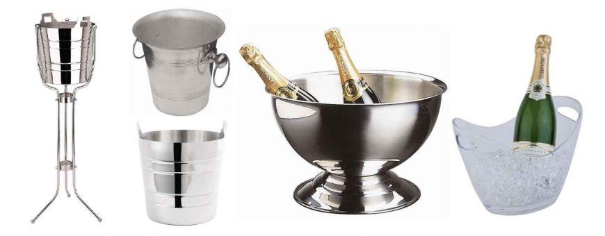 Seaux à glaces, champagne et bouteilles